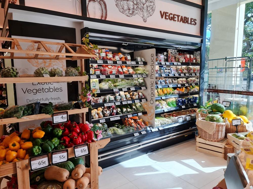 Carrier Open Multideck Chiller for Fruits at Finest Gourmet Balmoral Plaza by D-Logic Refrigeration